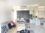 For Rent Town House Villa Albero on Krunthep Kreetha Road near golf course (4)